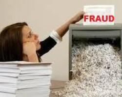 US judge temporarily delays loan document shredding