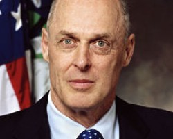 How Henry Paulson Tipped Off Hedge Funds of Fannie Mae Rescue
