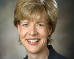 Tammy Baldwin To Introduce Resolution Opposing Immunity For Banks In Foreclosure Deal