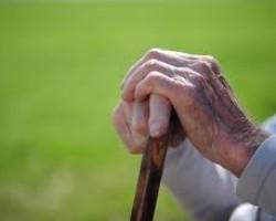 Banks Threaten Elderly Veterans With Foreclosure
